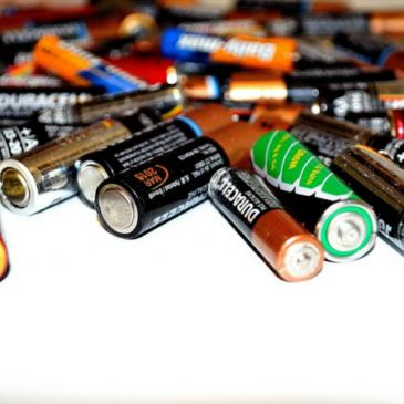 https://pixabay.com/en/battery-recycling-energy-batteries-22119/
